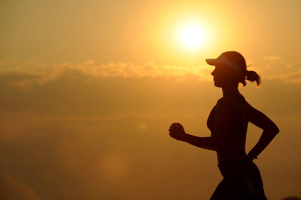 girl-running-during-sunshine