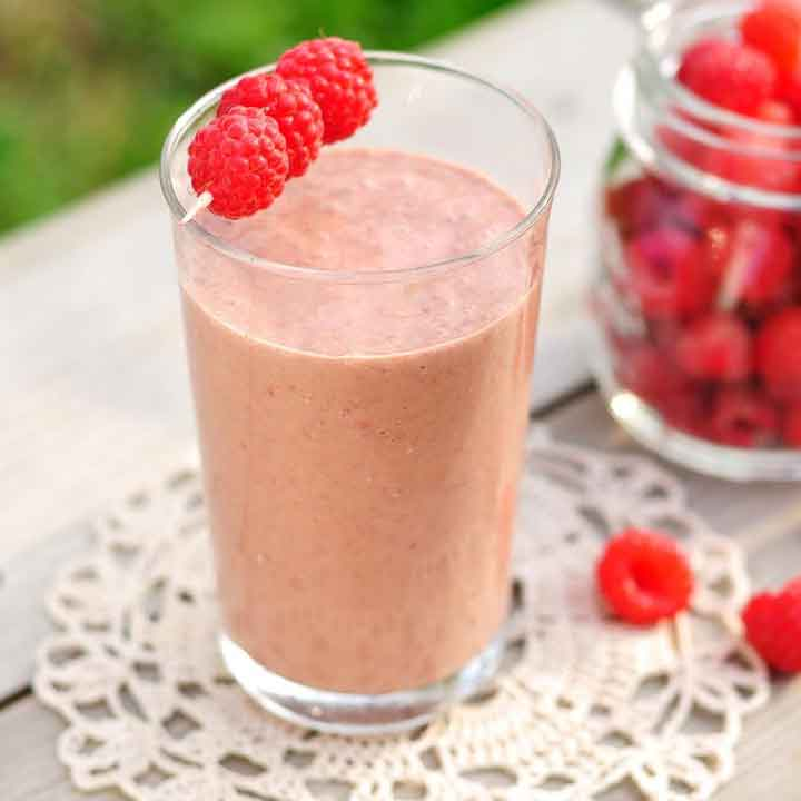protein-smoothie-glass