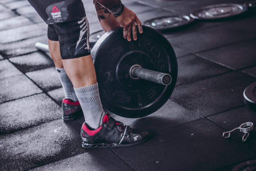 increasing-weight-on-barbell